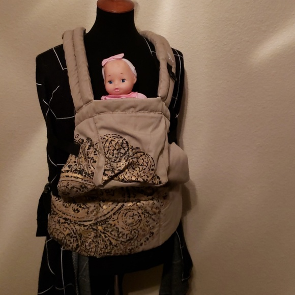 Other - Amazing baby carriers